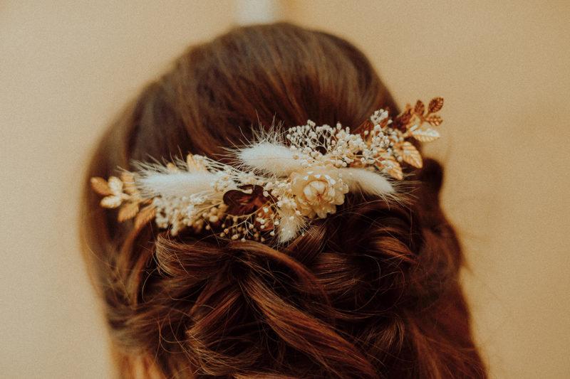 peigne apollon fleurs séchées et laiton doré