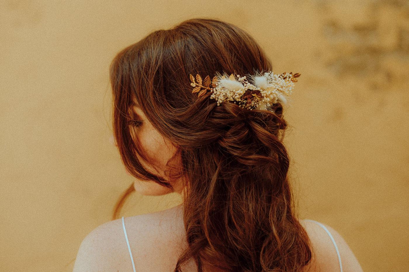 peigne doré fleur mariée