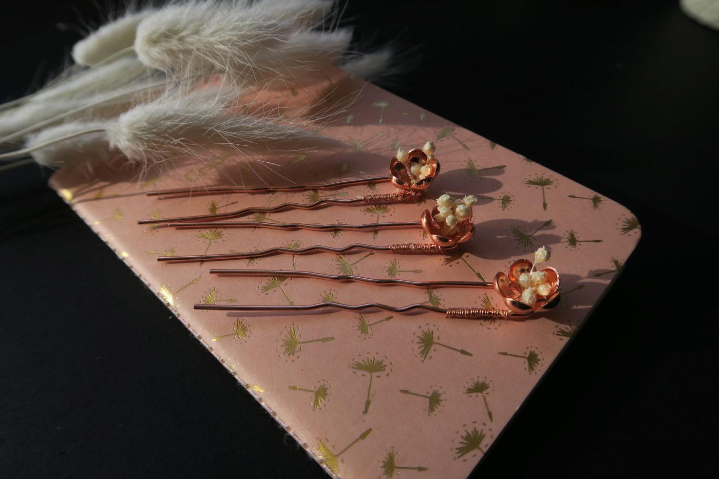barrette cuivrée de fleurs séchées