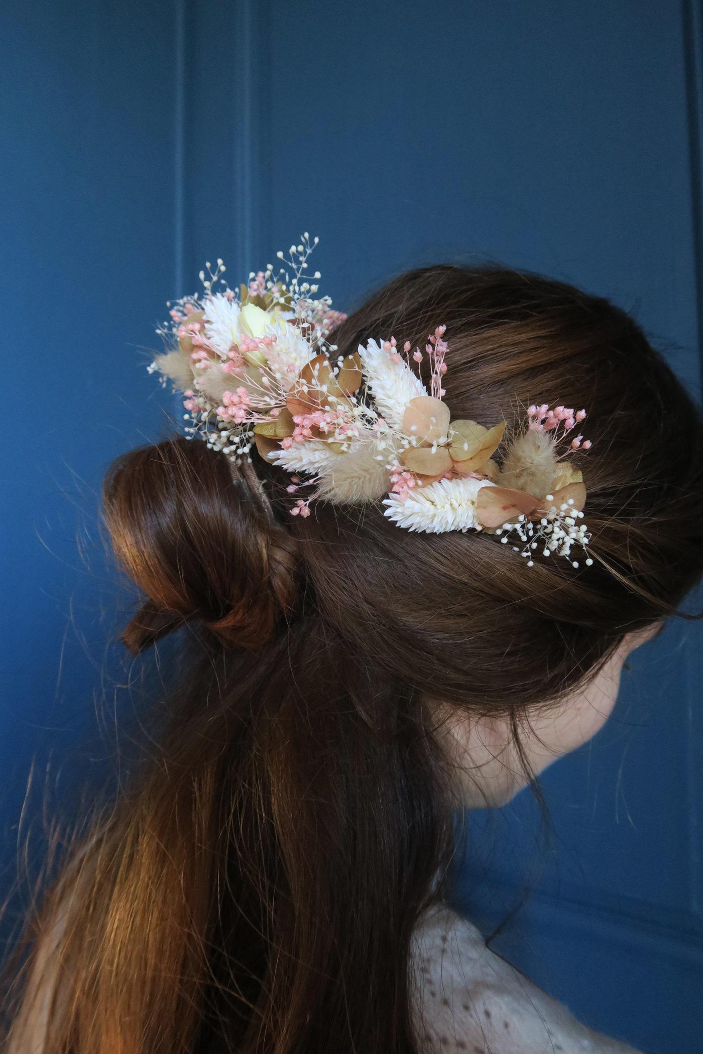 peigne fleurs séchées coiffure bohème