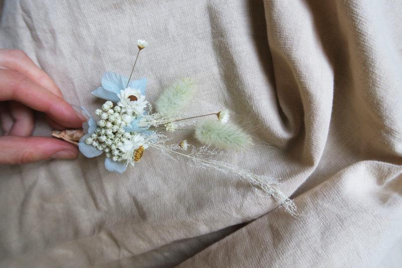 boutonnière hortensia séché bleu
