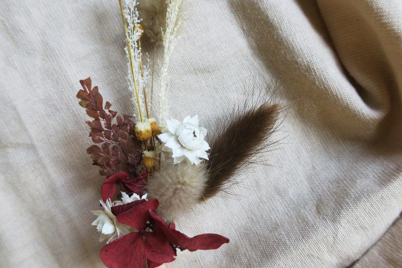 broche boutonniere fleurs séchées hosta