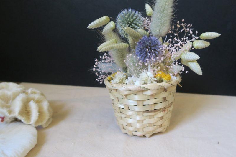 panier osier et fleurs séchées
