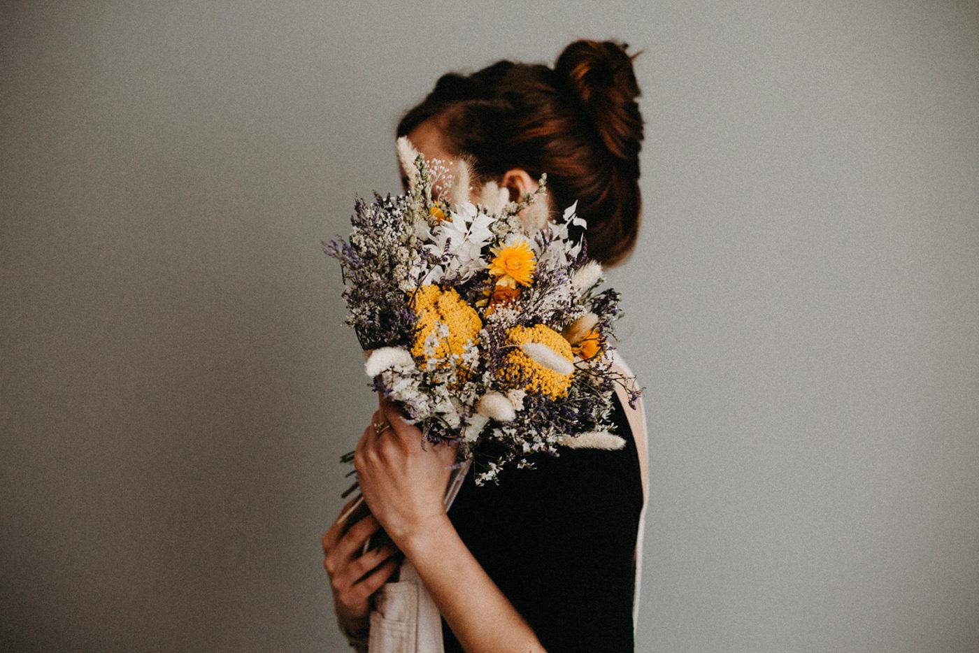 bouquet de fleurs sechées jaune