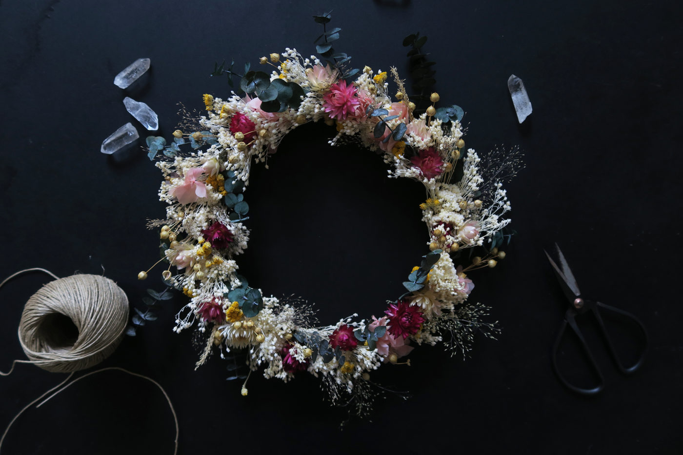 couronne de fleurs séchées rose