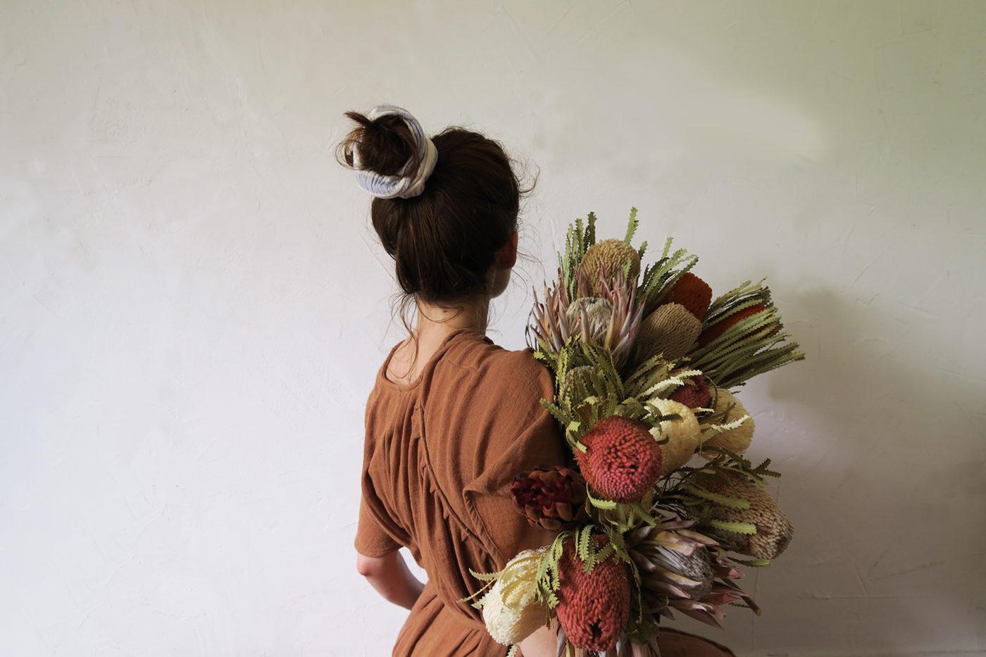 bouquet de fleurs séchées atelier hosta banksia exotique