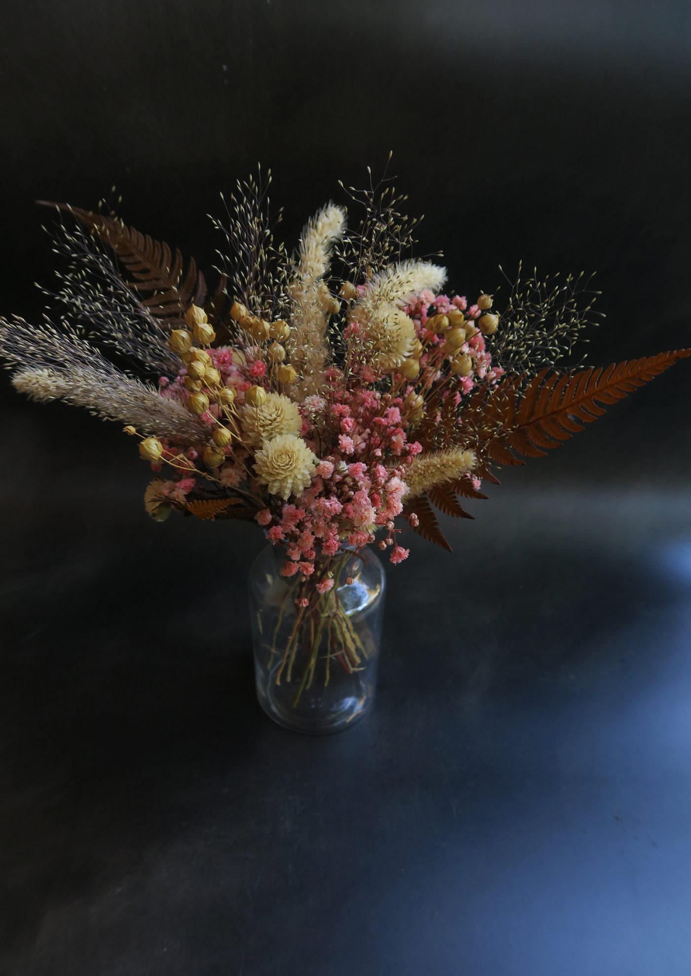 bouquet de fleurs séchées gypsophile rose décoration idée cadeau femme toulouse fleuriste tendance 2021 fougère